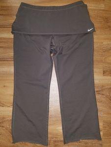 SALE 7 FOR $20 Nike Athletic Capri Leggings